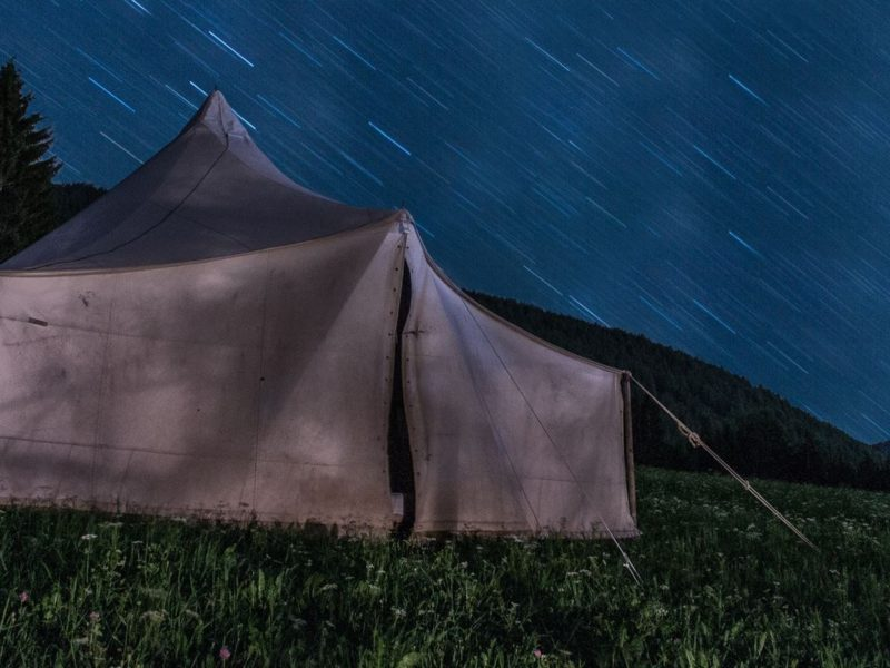 camping-grass-landscape-1920x800
